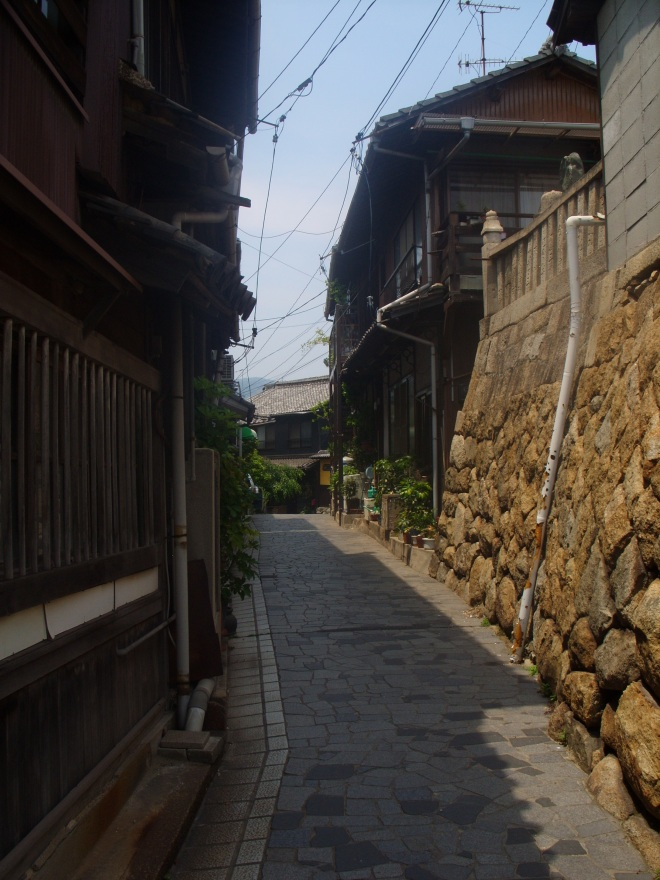 Ruelle de Tomonoura, ville inspiree pour le film Ponyo de Miyazaki.